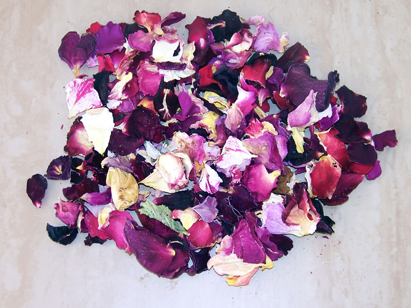 Mixed-Colors-Rose-Petal-Confetti